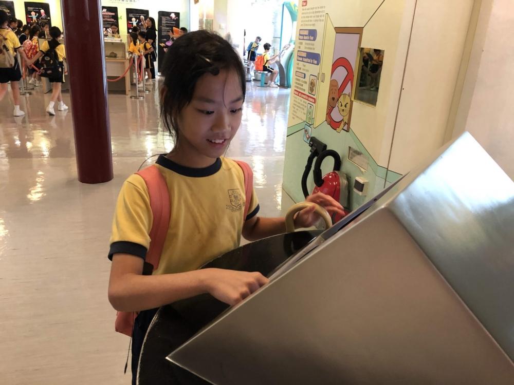 http://pohckwps.edu.hk/sites/default/files/38_9.jpg